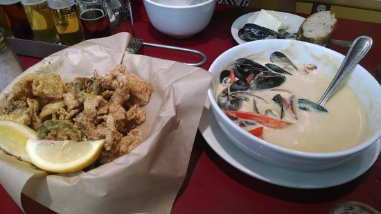Standing Stone Brewing Company : Calamari and curry mussels