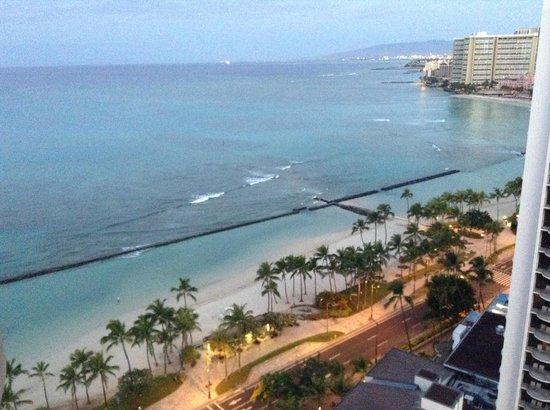 Aston Waikiki Beach Hotel: View from our lanai.