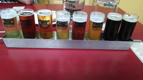 Standing Stone Brewing Company : Beer sampler