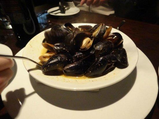 Crow Restaurant & Bar : ahhh-mazing mussels