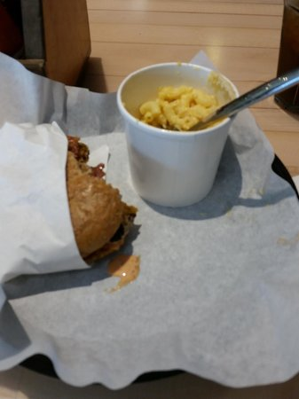 Jerry Built Homegrown Burgers: Ernie's Bacon Cheddar and Truffle Mac-n-Cheese