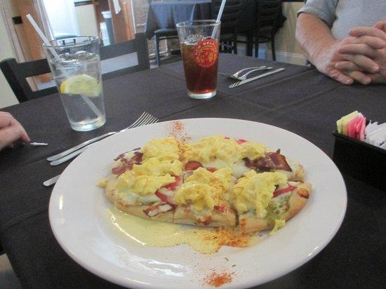 Placida Grill: breakfast pizza