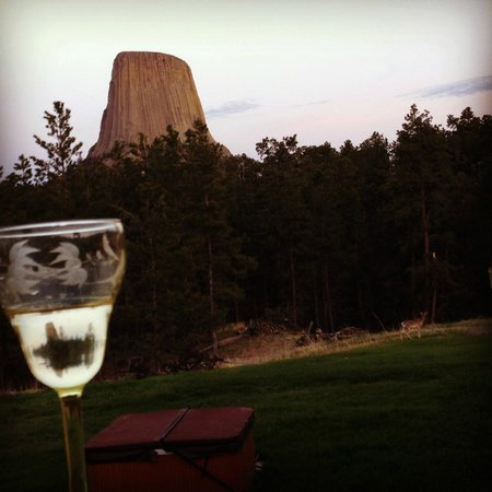 Devils Tower Lodge : View from the large