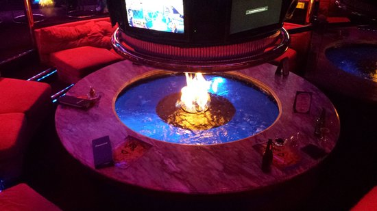 The Peppermill Restaurant & Fireside Lounge: Fire Pit