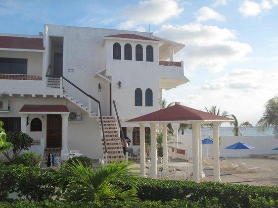 Scuba Club Cozumel: Beachfront rooms.
