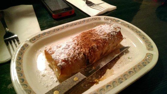 Plaka Estiatorio: dried fruit rolled in crispy filo-like pastry