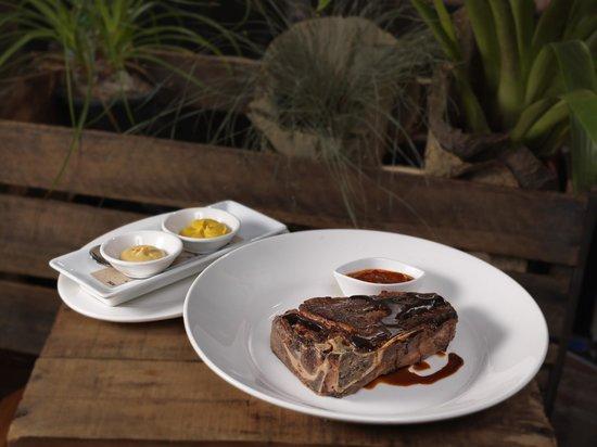 how to cook a bone in striploin steak