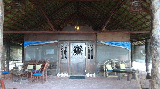 Playa Sonrisa: RESTAURANT BAR