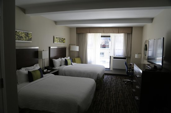 Residence Inn New York Manhattan / Midtown East: 2 queens bedrooms