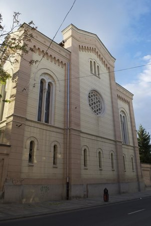 The Kazinczy Street Synagogue of Miskolc