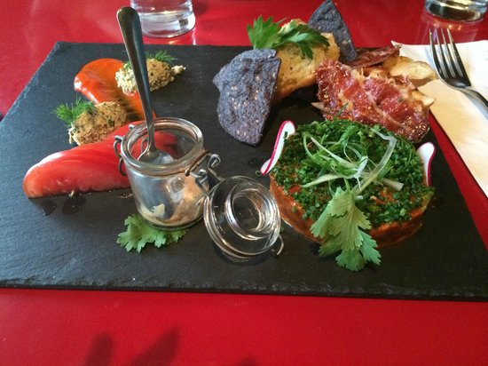 Navarra by Rene Rodriguez: Steak Tartare