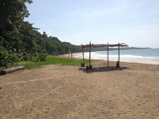 Congo Bongo Ecolodges Costa Rica: Congo Bongo beach..