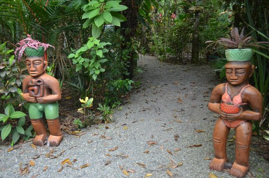 Congo Bongo Ecolodges Costa Rica: Statues