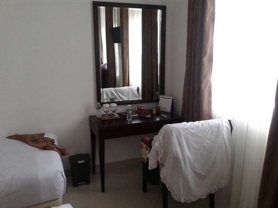 Hotel Grand Kartini : kamar
