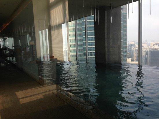 Park Hyatt Seoul: Piscina do Hotel