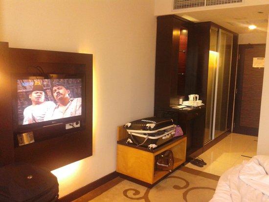 Kamar picture of premier basko hotel padang tripadvisor for Dekor kamar hotel ultah