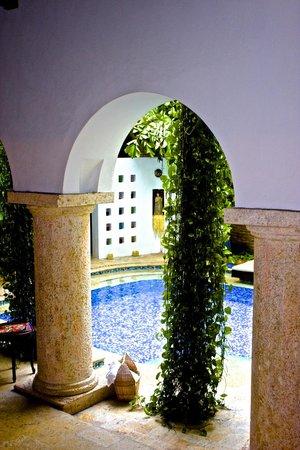 San Pedro Hotel Spa : courtyard /pool near reception
