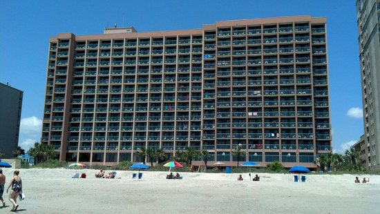 Sandcastle South Beach Resort: Rear shot from beach