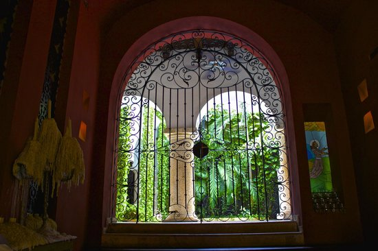 San Pedro Hotel Spa: The stunning entrance