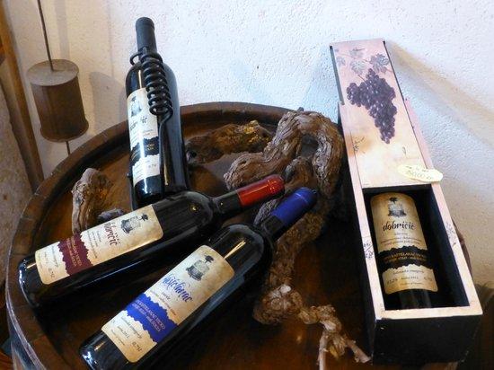 Solta Island, Kroatien: 販売しているワイン