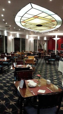 Abasto Hotel: comedor vista de las mesas