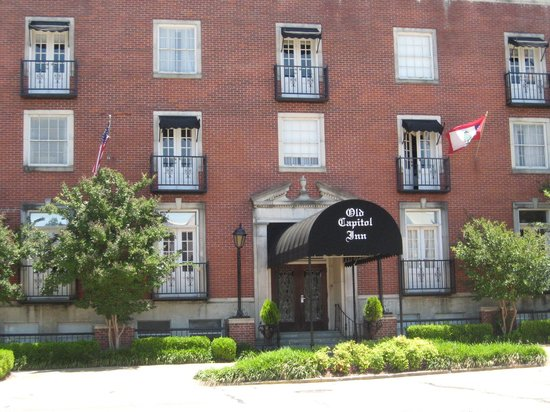 Old Capitol Inn: Front entrance