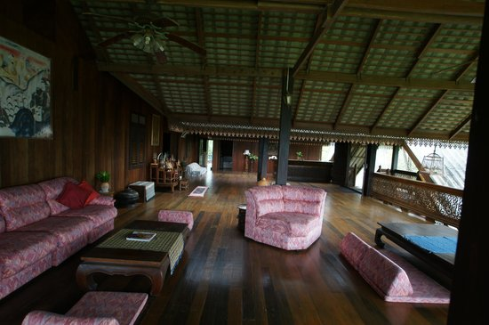Ruen Thai Rim Haad Rayong: Grand salon de lecture avec vue sur mer
