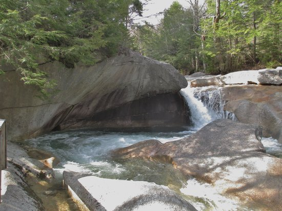 The Basin at Franconia Notch State Park : I have decided to do a pinting of this