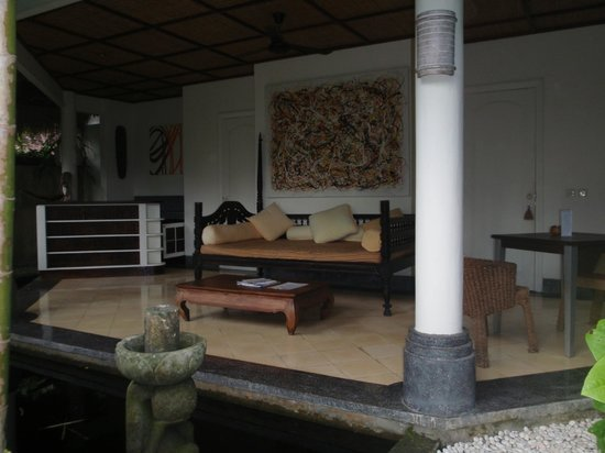 Ubud Villas and Spa: Verandah (downstairs verandah suites)