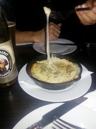 El Escoces Bar y Parrilla: provolone de entrada