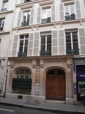 Les3chambres: The front door