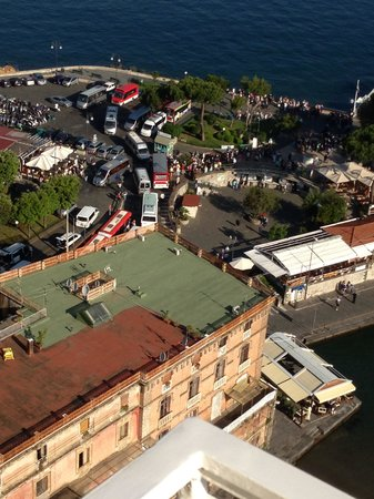 Grand Hotel Excelsior Vittoria: Off the balcony view of the harbor area