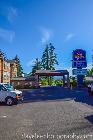 Best Western Plus Columbia River Inn: Hotel entrance