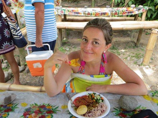 Belinda's: feliz comiendo
