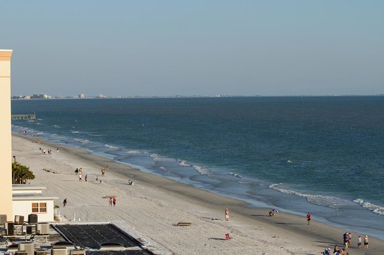 Doubletree Beach Resort by Hilton Tampa Bay / North Redington Beach : View from balcony