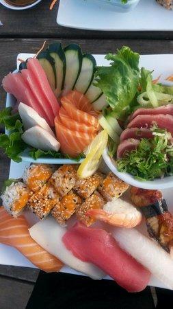 Saprona Sushi: Sashimi sushi combo.  Amazing!