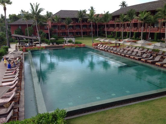 Hansar Samui Resort: The pool