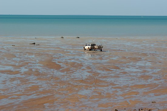 Broome Town Beach: Adventurous fishermen on the outgoing tide.