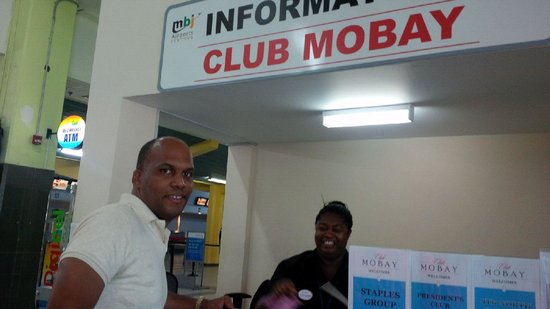 Club Mobay Departure Lounge: greeted with a smile