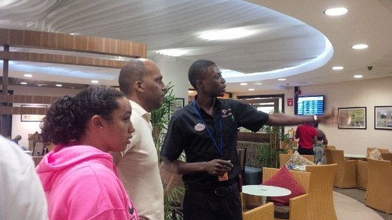 Club Mobay Departure Lounge: The tour of the lounge