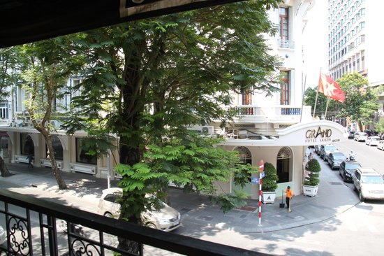 Jaspas Restaurant : View from balcony to Grand Hotel