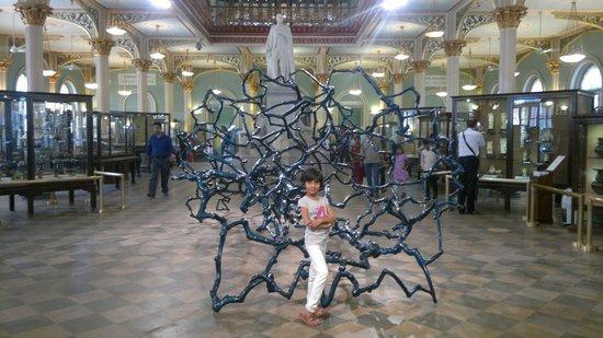 Bhau Daji Lad Museum: Artwork