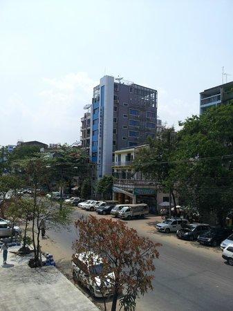 New Yangon Hotel: Street View of Hotel