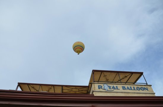 Royal Stone Houses: Balon terbang