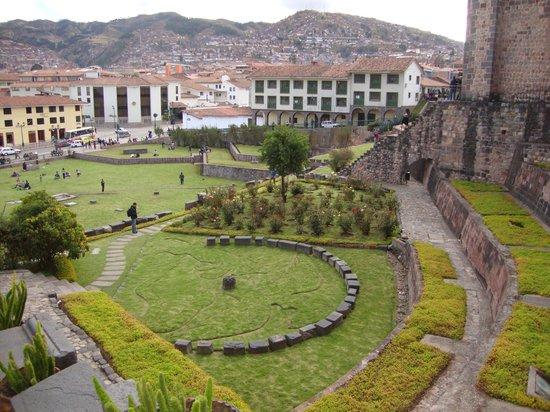 Convento de Santo Domingo: vista hacia la ciudad de cusco