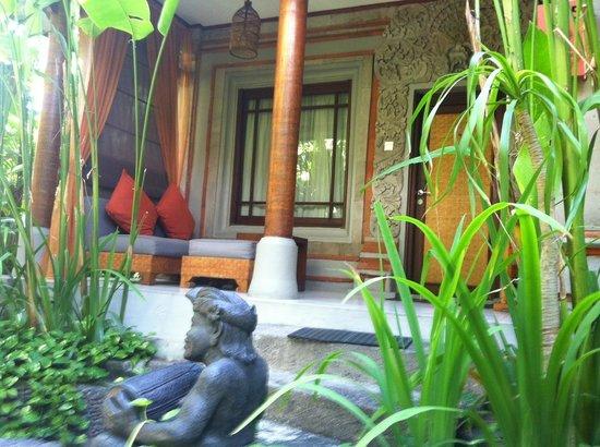 Kuta Seaview Boutique Resort & Spa: Garden Delux suite