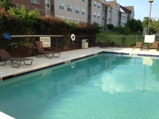 Hampton Inn & Suites Dothan : nice pool