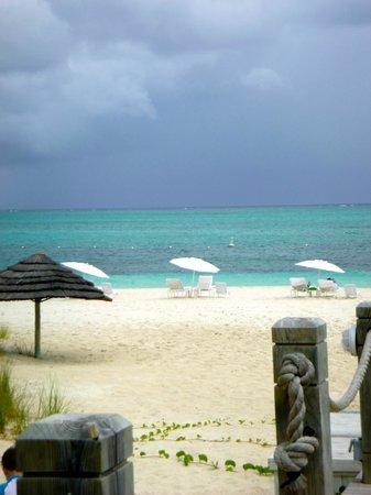 West Bay Club: beach area