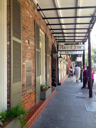 Place d'Armes Hotel: Front entrance