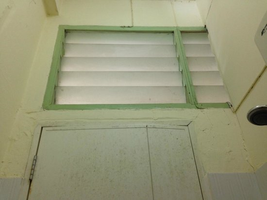 Asok Montri Hostel : Dirty